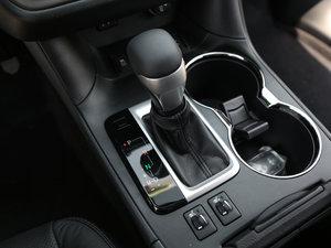 2017款2.0T 七座四驱豪华版 变速挡杆
