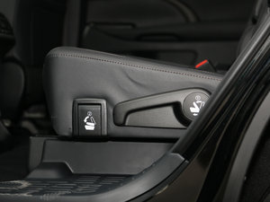 2017款2.0T 七座四驱炫黑限量版 座椅调节