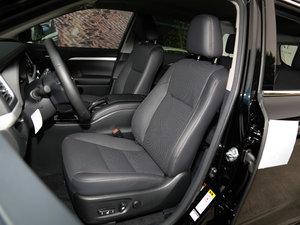 2017款2.0T 七座四驱炫黑限量版 前排座椅