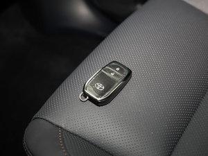 2017款2.0T 七座四驱炫黑限量版 钥匙