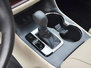 2017款2.0T 七座四驱精英版 变速挡杆