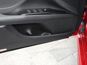 2018款2.5S 锋尚版 车门储物空间