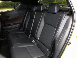 2018款2.0L CVT旗舰版 后排座椅