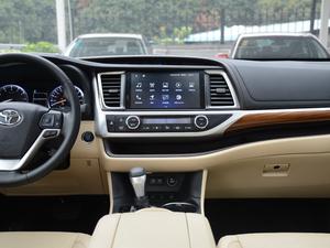 2018款2.0T 四驱至尊版 7座 中控台