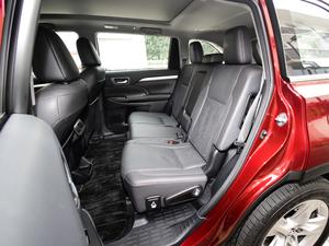 2018款2.0T 四驱尊贵版 7座 后排座椅