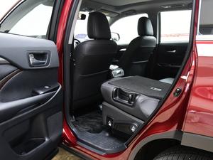 2018款2.0T 四驱尊贵版 7座 后排座椅放倒