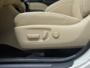 2018款2.0T 四驱至尊版 7座 座椅调节
