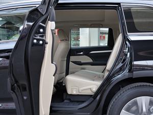 2018款2.0T 四驱豪华版 7座 后排空间
