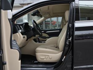 2018款2.0T 四驱豪华版 7座 前排空间