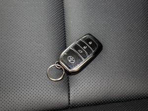 2018款2.0T 四驱尊贵版 7座 钥匙