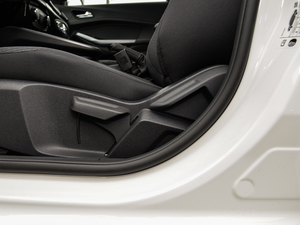 2019款1.5L 自动质享型 座椅调节