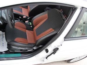 2014款1.0 GTDi 自动劲动型 前排座椅
