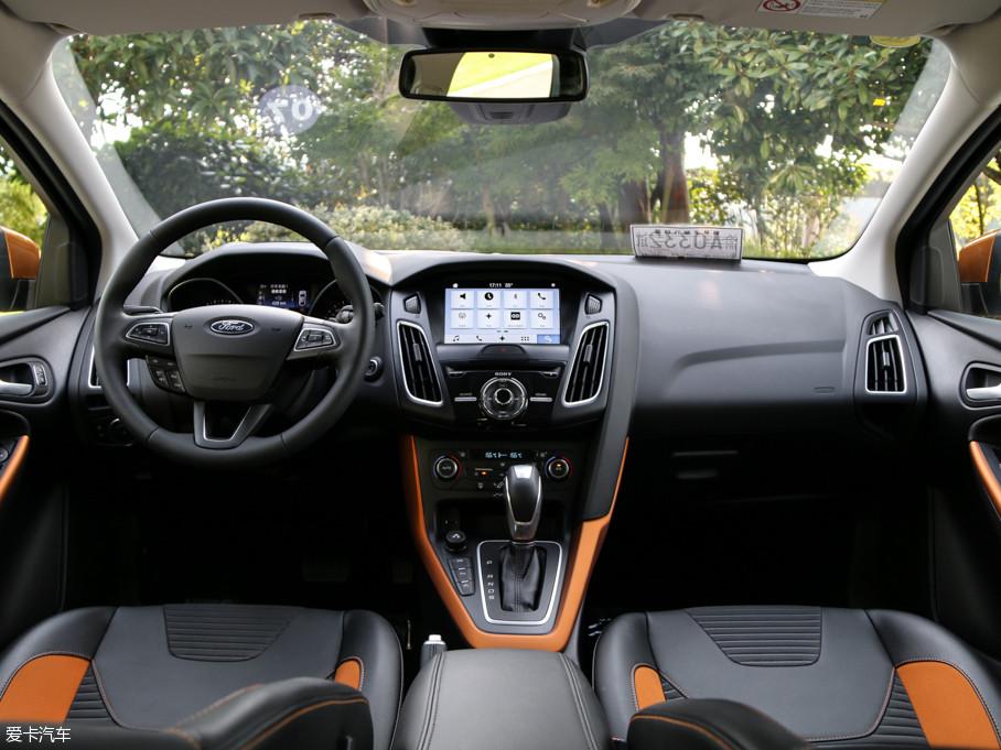 2017款福克斯两厢EcoBoost 180 自动运动型
