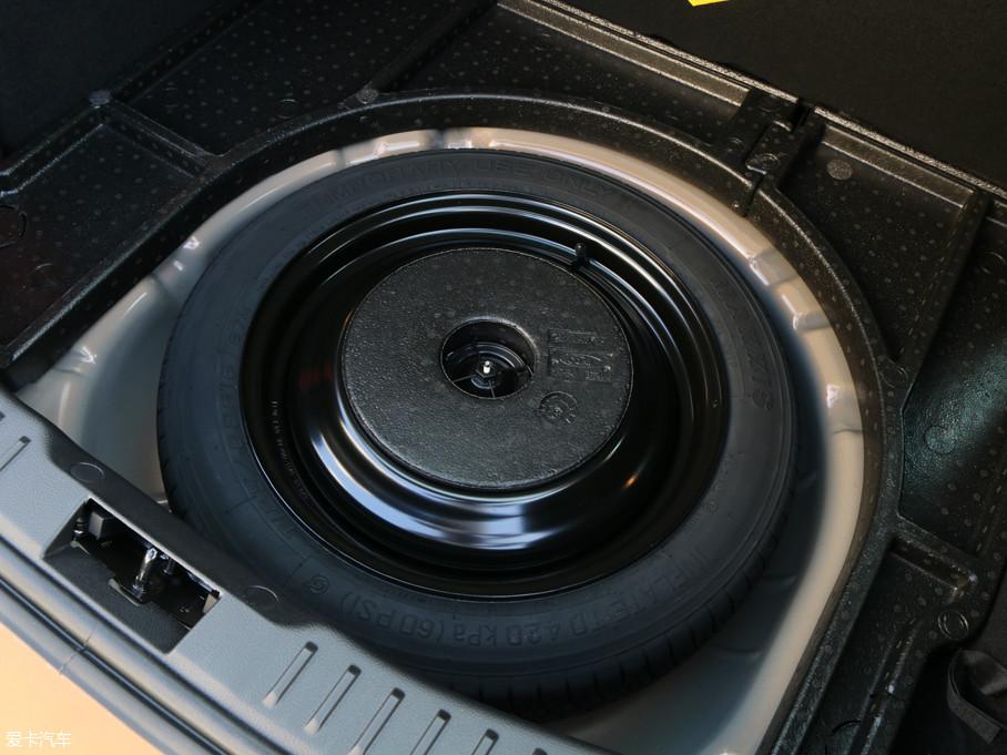 2017款新福克斯两厢EcoBoost 180 自动运动型