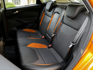 2017款EcoBoost 180 自动运动型 后排座椅