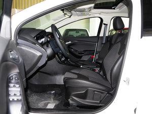 2017款EcoBoost 125 自动超能风尚型智行版 前排空间