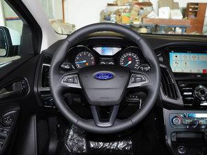 2017款EcoBoost 125 自动超能风尚型智行版 方向盘