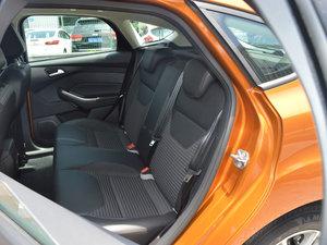 2017款1.6L 手动风尚型智行版 后排座椅