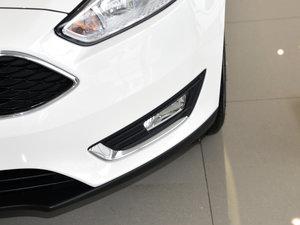 2017款1.6L 自动风尚型智行版 雾灯