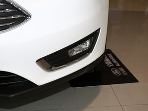 2017款EcoBoost 125 自动超能风尚型智行版 雾灯