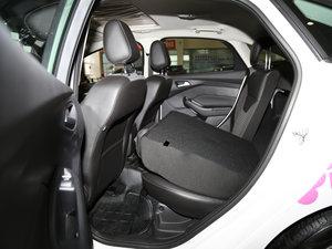 2017款EcoBoost 125 自动超能风尚型智行版 后排座椅放倒