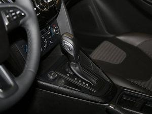 2017款EcoBoost 125 自动超能风尚型智行版 变速挡杆