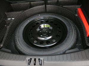 2017款EcoBoost 180 两驱精翼型 备胎