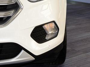 2017款EcoBoost 245 四驱尊翼型 雾灯