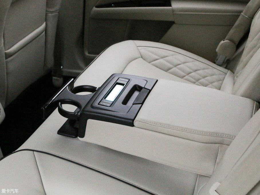 2017款蒙迪欧混动2.0 HEV 智尊旗舰型