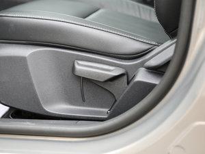 2017款幸福版 1.5L 手动时尚型 座椅调节