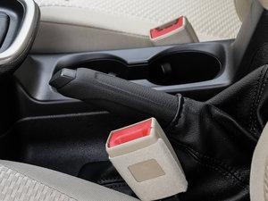 2017款1.5L 自动舒适型 驻车制动器