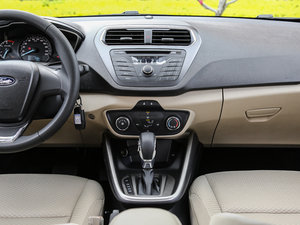 2017款1.5L 自动舒适型 中控台