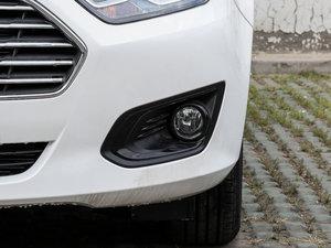 2017款1.5L 自动舒适型 雾灯