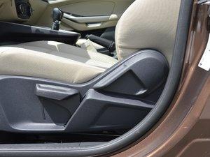 2017款1.5L 手动舒适型 座椅调节