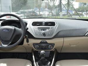 2017款1.5L 手动舒适型 中控台