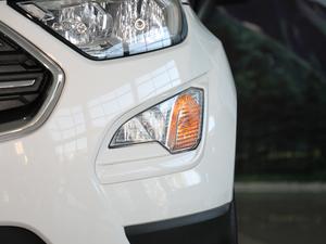 2018款改款 1.5L 自动尊翼型 雾灯
