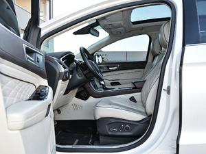 2018款EcoBoost 245 四驱尊锐型PLUS 7座 前排空间