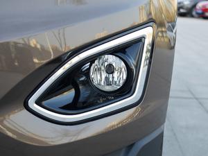 2018款EcoBoost 245 两驱铂锐型 7座 雾灯