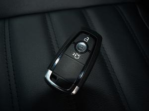 2018款EcoBoost 245 两驱铂锐型 7座 钥匙