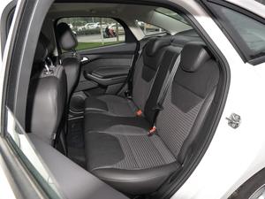 2018款1.6L 自动风尚型智行版 后排座椅
