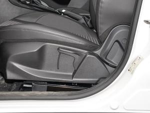2018款1.6L 自动风尚型智行版 座椅调节