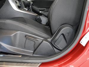 2018款1.6L 手动舒适型智行版 座椅调节
