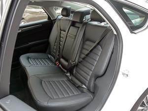 2018款插电混动版 2.0 PHEV 智豪型 后排座椅