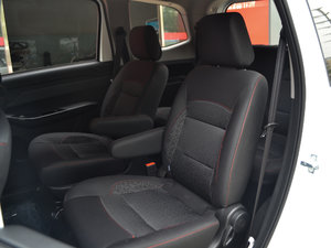 2017款1.5L 手动基本型 后排座椅