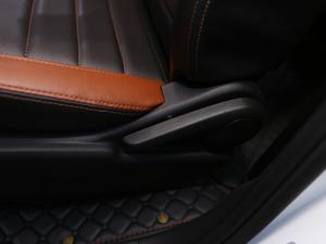 2018款1.5L 手动旗舰型 座椅调节