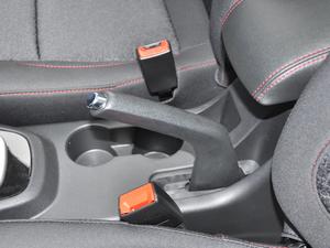 2018款1.5L 手动天窗型 驻车制动器