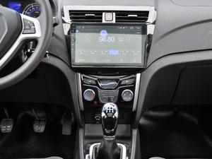 2018款1.5L 手动天窗型 中控台