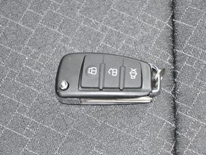 2018款1.5L 手动天窗型 钥匙