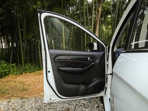 2018款V行版 驾驶位车门