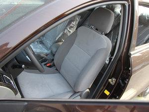 2013款1.5L 手动进取版 前排座椅